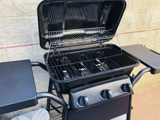 Personal patio gas grill