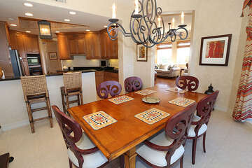 Gorgeous 6 seater dining table