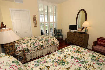Two twin beds, perfect for guests