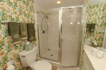 Homey guest bathroom, perfect for guests