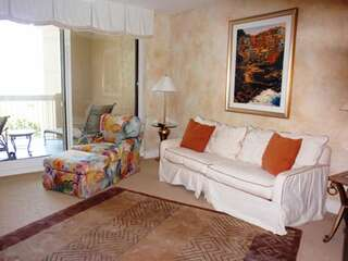 Guest suite with sleeper sofa