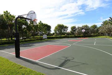 Awesome community basketball court