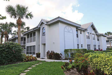 Adorable 1st floor condo in Bonita Bay