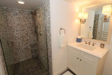 Nicely renovated guest bath