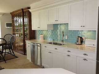 Beautiful kitchen beach style remodel