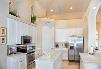 Updates and spacious kitchen for easy and fun mealtime prep!