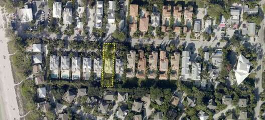 Copa Captiva is located in the heart of Captiva on Andy Rosse Lane where you can walk to the beach, shopping and dining!