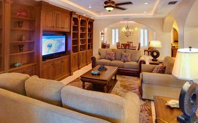 Three Living level Vacation Rental Luxurious in Every Way.
