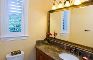 Guest House private Bathroom.