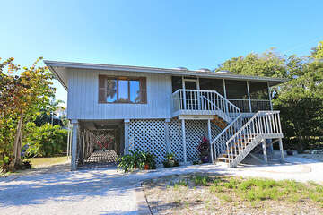 Chattiva is a three bedroom, two bathroom private home located on Wightman Lane in the Village of Captiva.