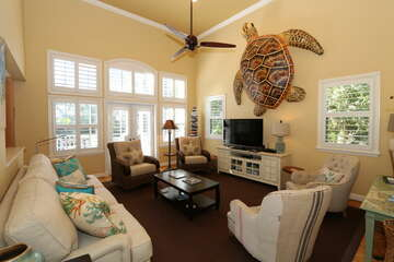Spectacular living room with Turtle Included!!