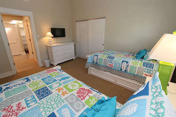Guest Bedroom with Twins/Trundle