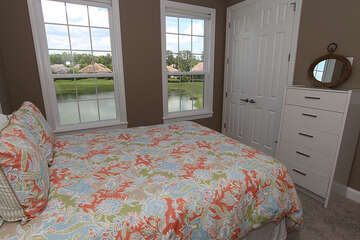 Queen bed in guest bedroom 2