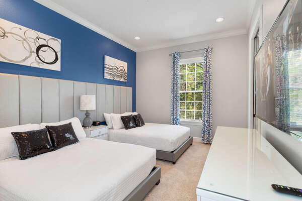 Master suite 4 features two full beds