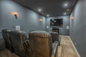 Theater room - 6 big comfy recliners