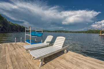 Lounge chairs for the sun bathers, kayak and paddle boards for the more adventurous!