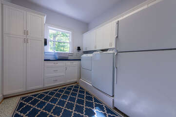 Front door entry to laundry - washing machine, dryer & extra fridge/freezer.