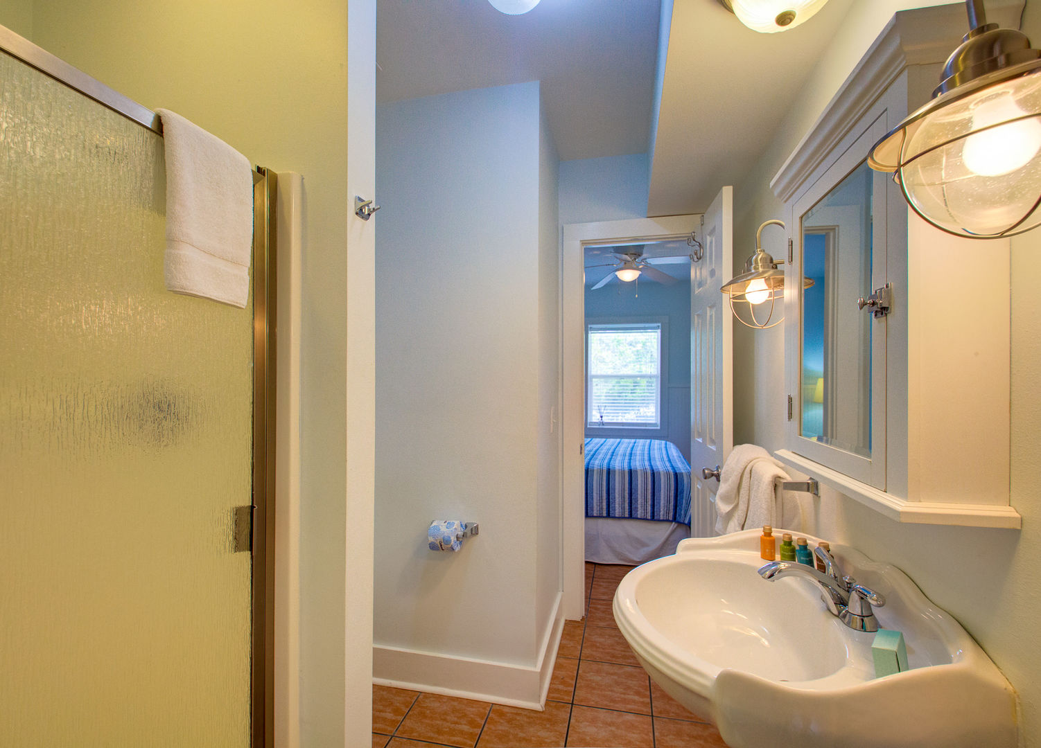 Jack N Jill Bath attached to bedrooms #1 and #2.