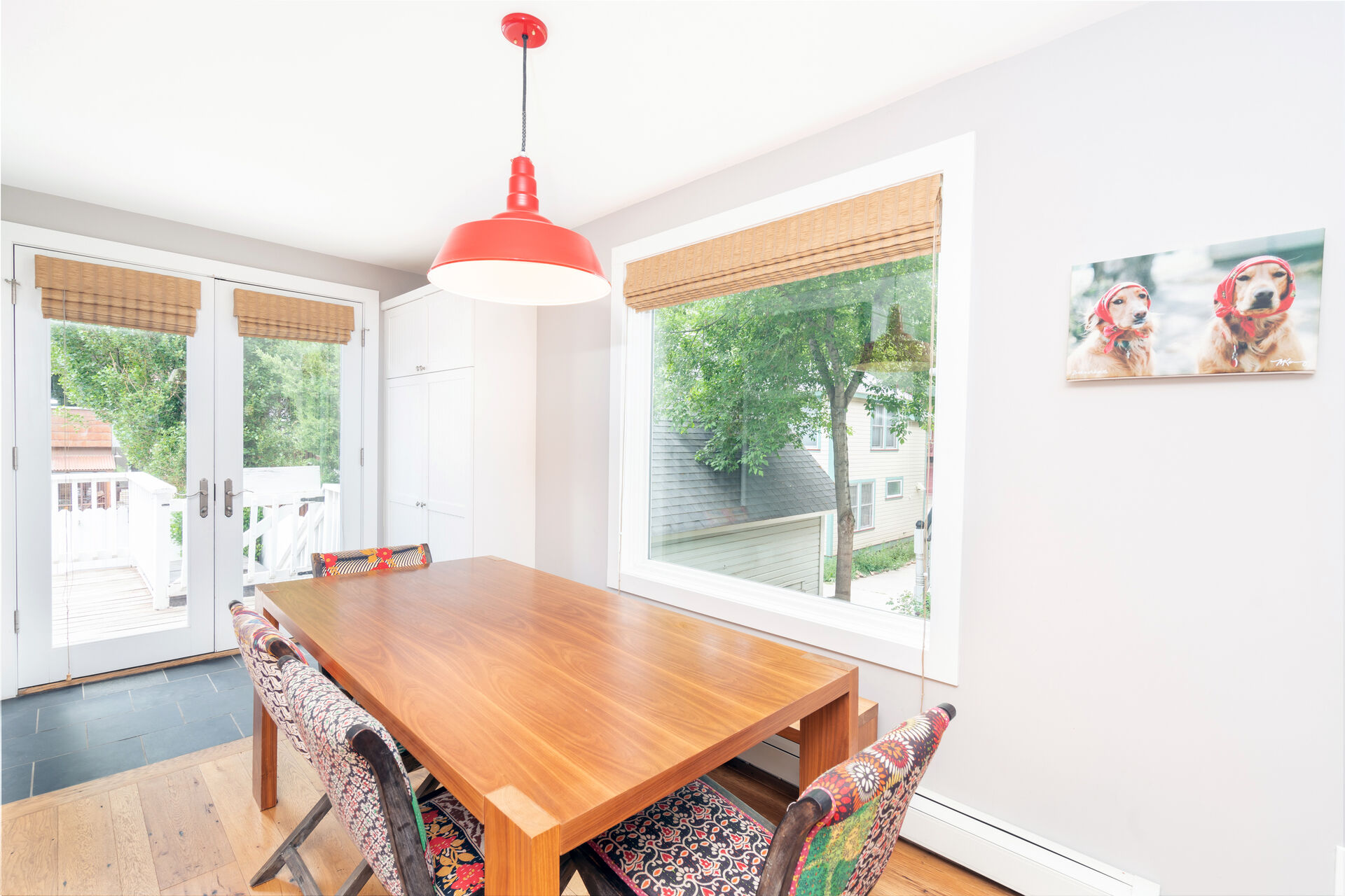 Dining room table with seating for 4.