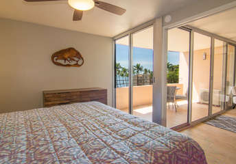 Lanai access from master bedroom