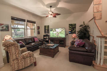 Spacious Living Area with Comfortable Furnishings
