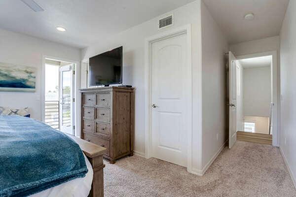 Master Bedroom w/ California King, En-Suite Bathroom, & Private Patio - 3rd Floor