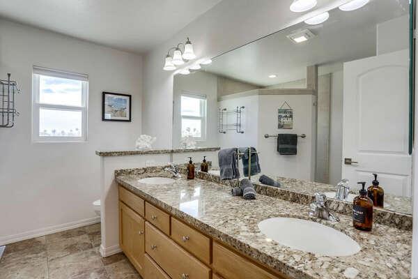 Master En-Suite Bathroom w/ Shower - 3rd Floor
