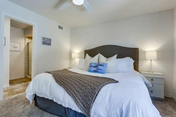Guest Bedroom w/ King Bedroom - 1st Floor