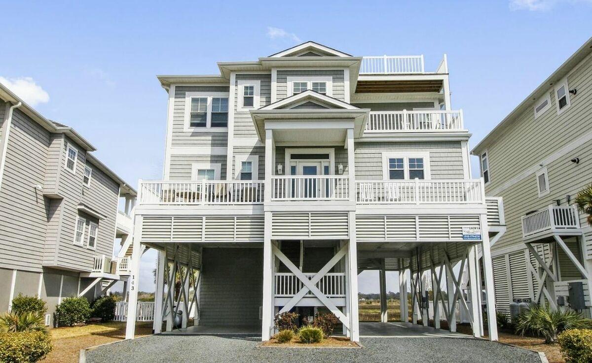 143VIA - Soundfront House