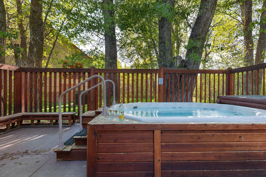 Teton Serenity - two 8-person shared community hot tubs