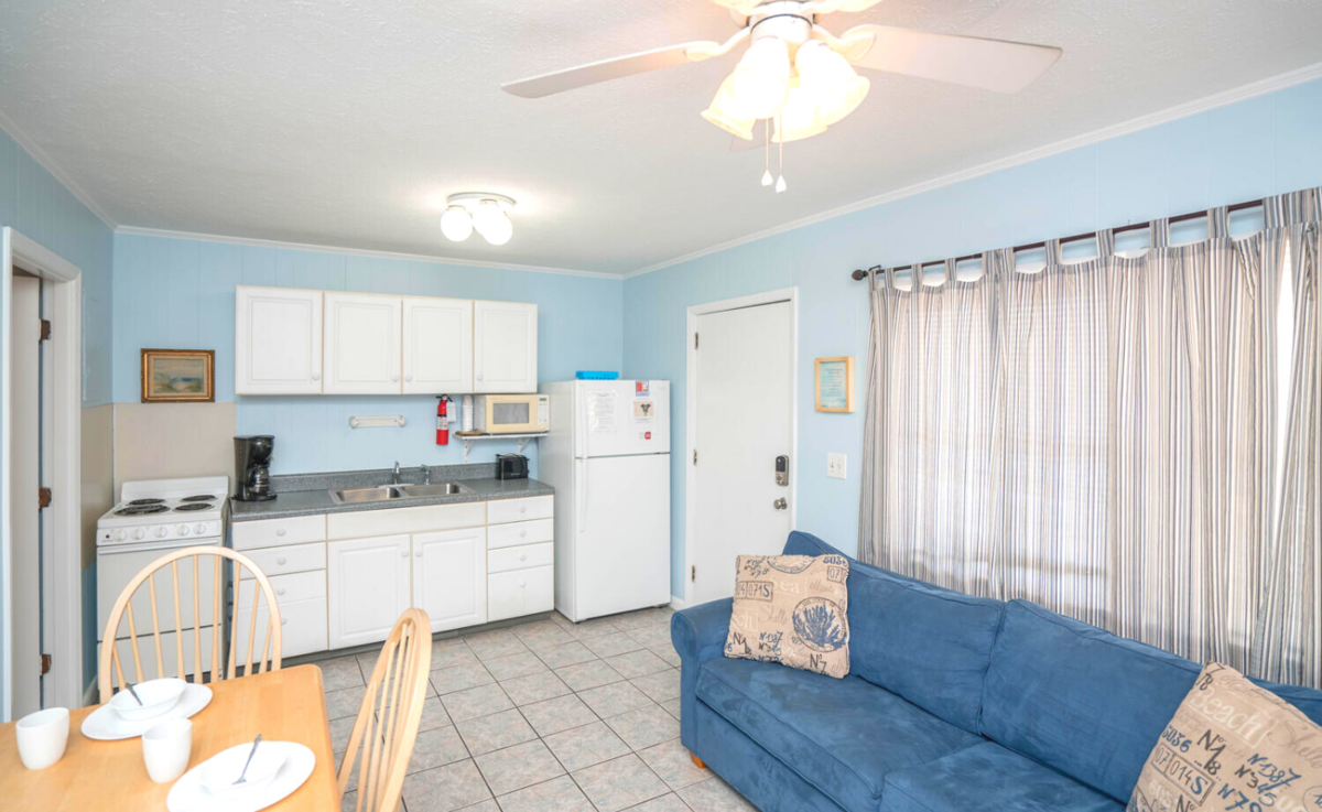 CM102 - 1 Bedroom Continental Motel