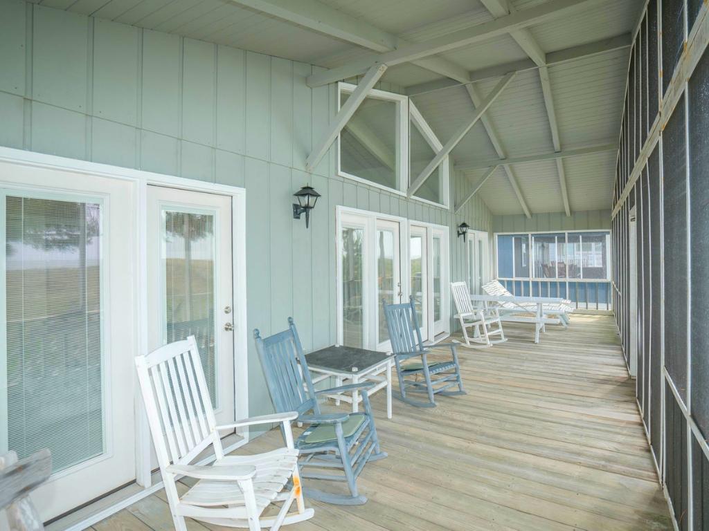 1216EM - Oceanfront House - Escape