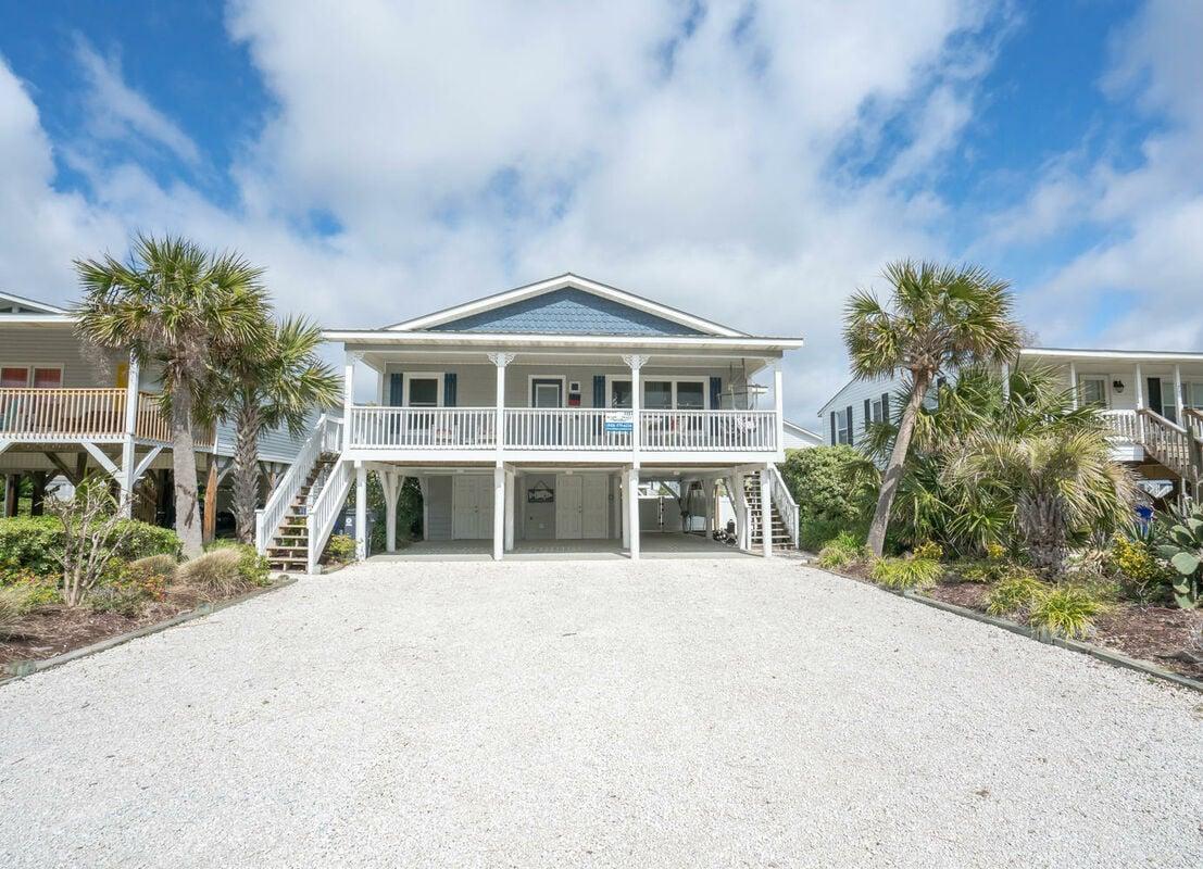 77E1 - Coastal Cottage