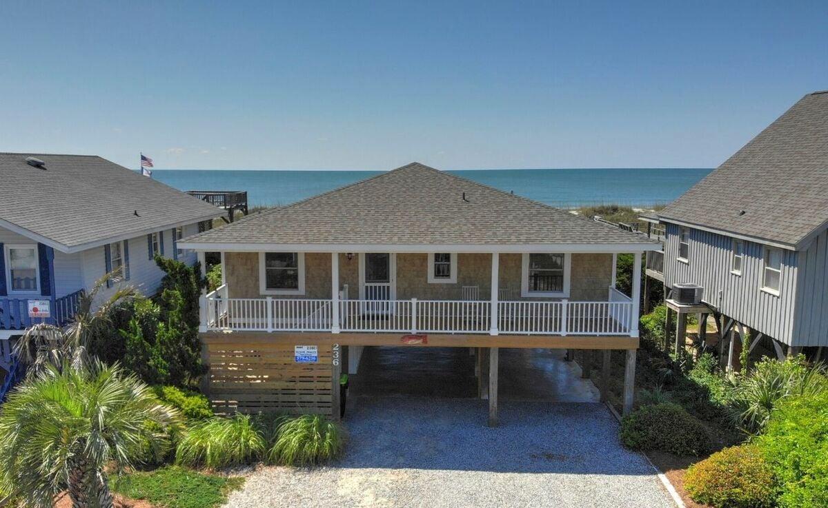 236E1 - Oceanfront House