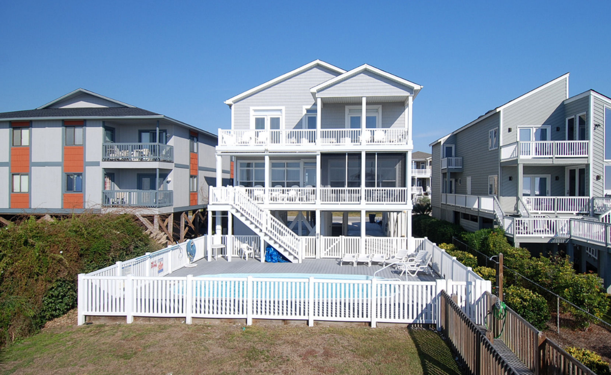 99W1 - Oceanfront House