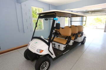 6 person golf cart available for additional fee