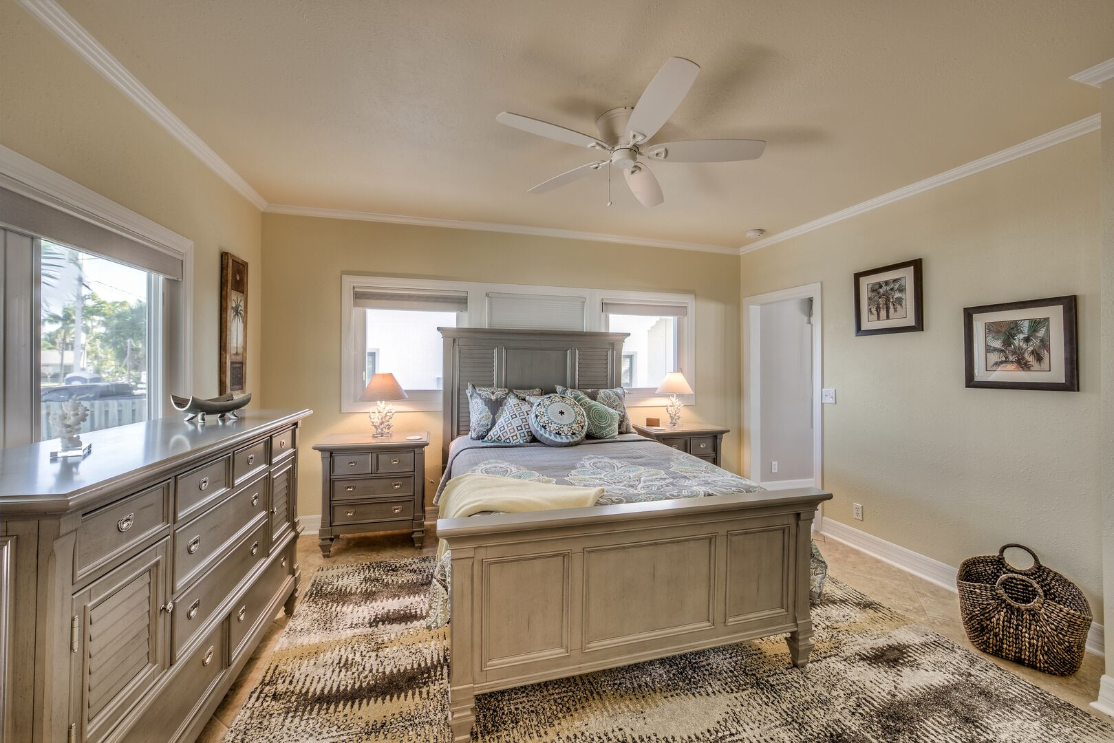Guest Bedroom with queen bed in our Fort Myers cottage