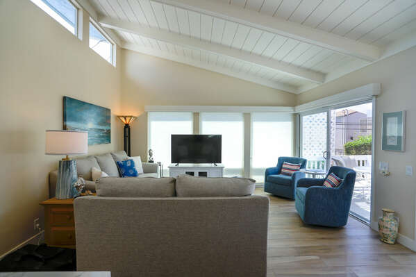 Enjoy Indoor/Outdoor Living in our Mission Beach Condo Rental