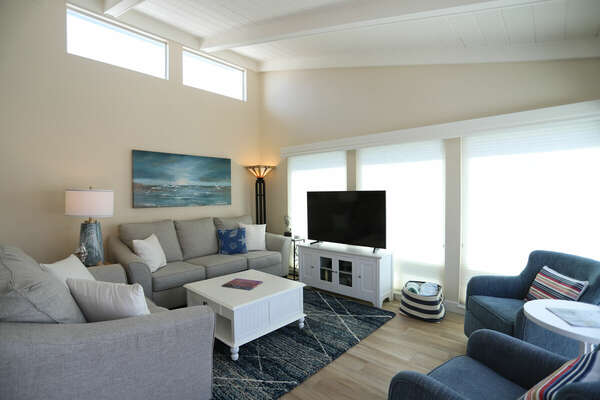 Living Room with Ample Seating in our Mission Beach Condo Rental