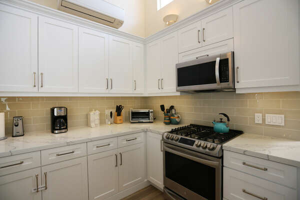 Brand New Kitchen in our Mission Beach Condo Rental