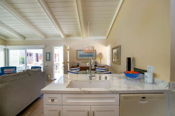 Light and Bright Kitchen Offers Great Sight Lines