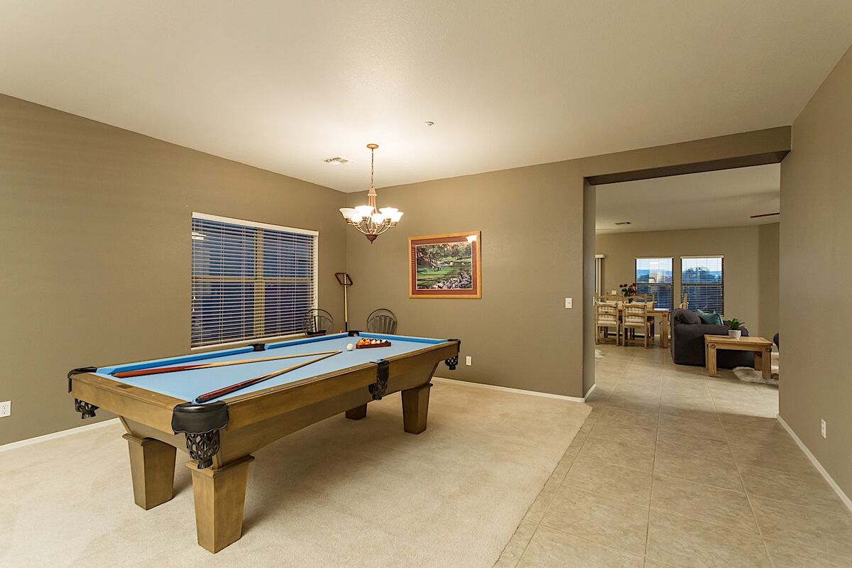 Large Pool room