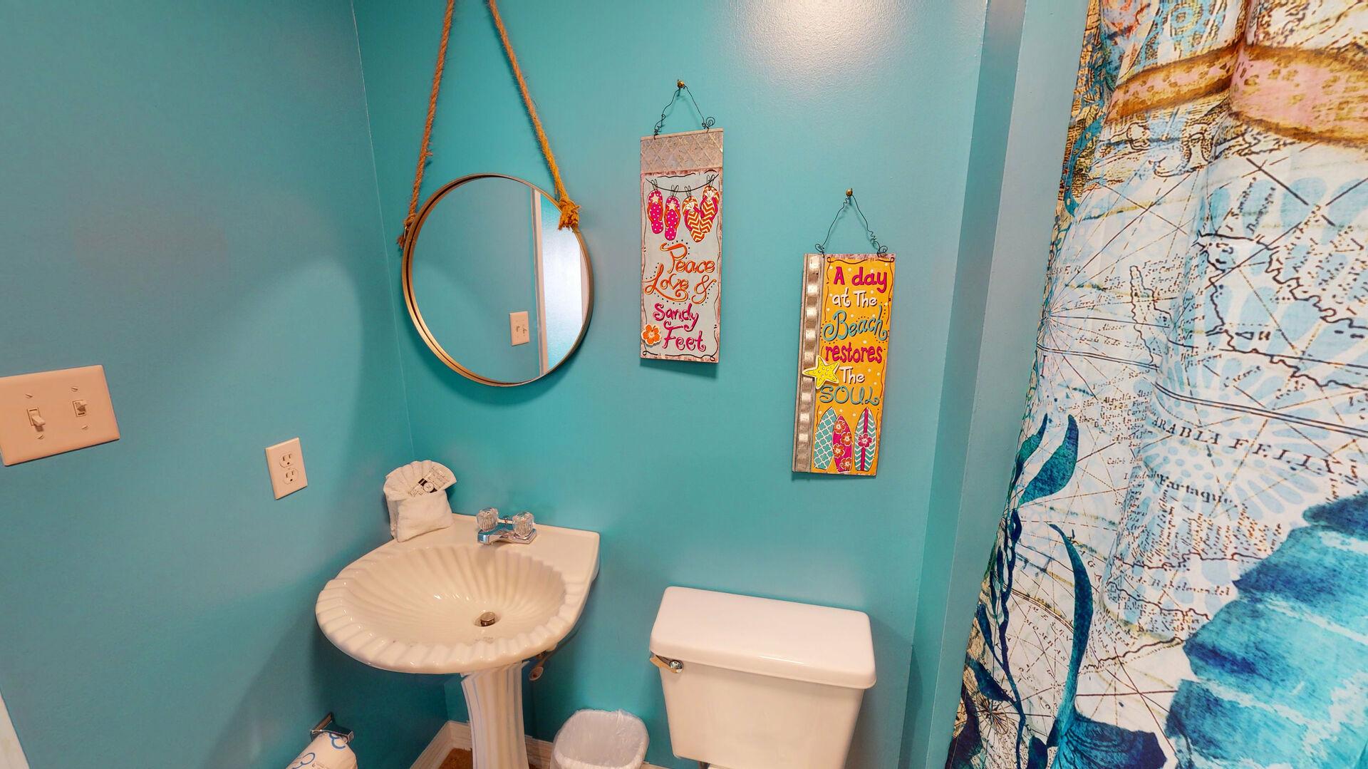 Upstairs Full Bathroom
