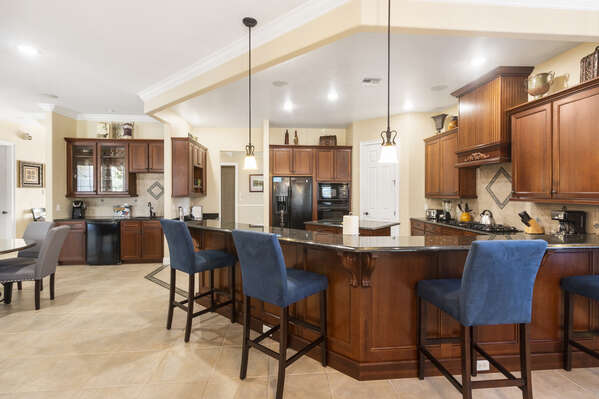Large breakfast bar with seating for 4