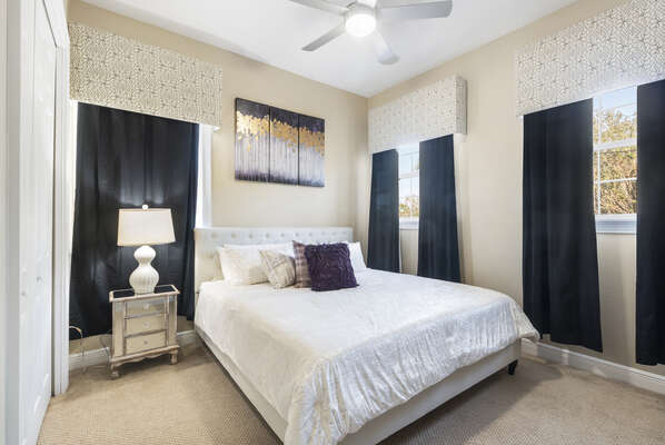 Luxurious upstairs Queen bedroom