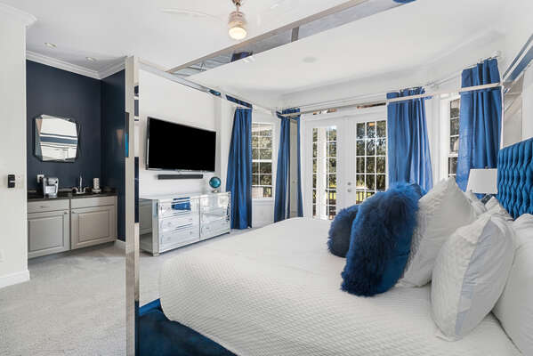 Enjoy relaxing after a long day of enjoying the Orlando attractions with a 70-Inch SMART TV and balcony access