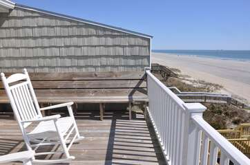 413WE27 - PELICAN PERCH - EAST 27 | Photo
