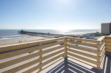 Rooftop deck with fantastic views!