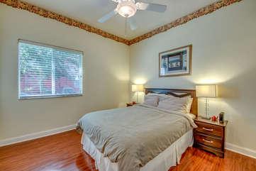 Guest Room 2 - Jr Master Suite