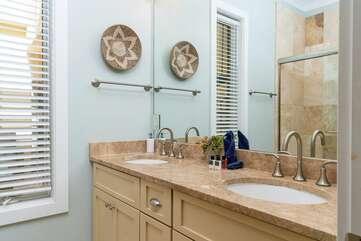 Master Bedroom 2 - ensuite with shower